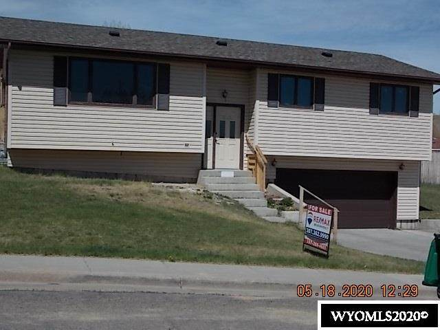 1380 Winter View Drive, Green River, WY 82935 (MLS #20202513) :: RE/MAX The Group