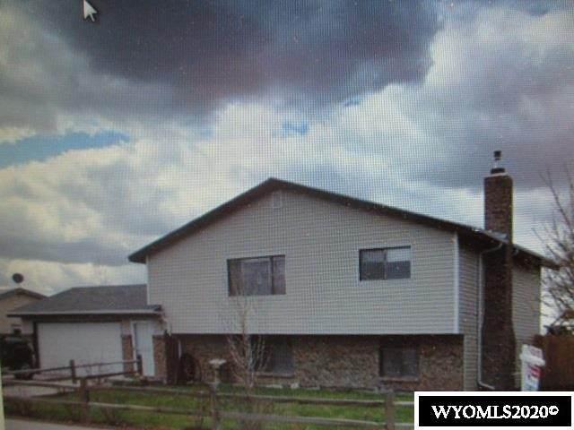 128 S Wind River Drive, Douglas, WY 82633 (MLS #20202571) :: Real Estate Leaders