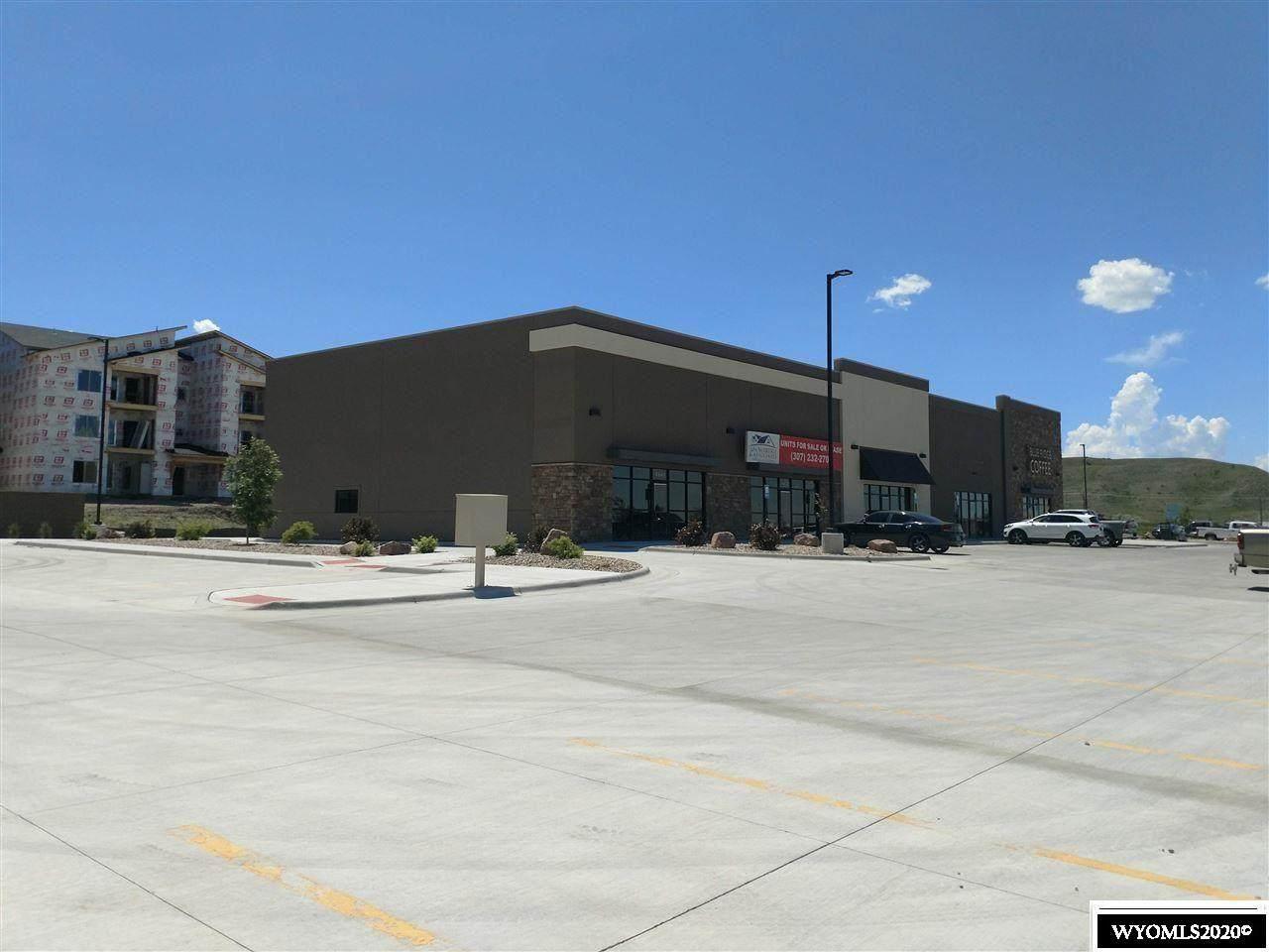 4621 Wyoming Boulevard - Photo 1