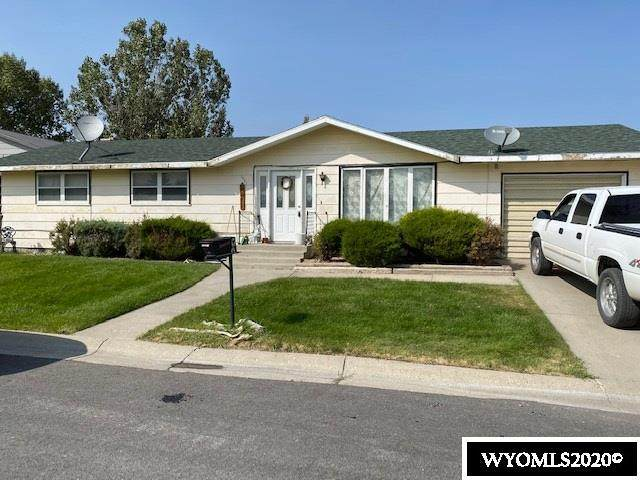 1807 Dundee, Rawlins, WY 82301 (MLS #20205233) :: Real Estate Leaders