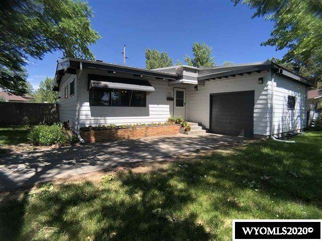 607 S. 11th, Douglas, WY 82633 (MLS #20205800) :: RE/MAX The Group