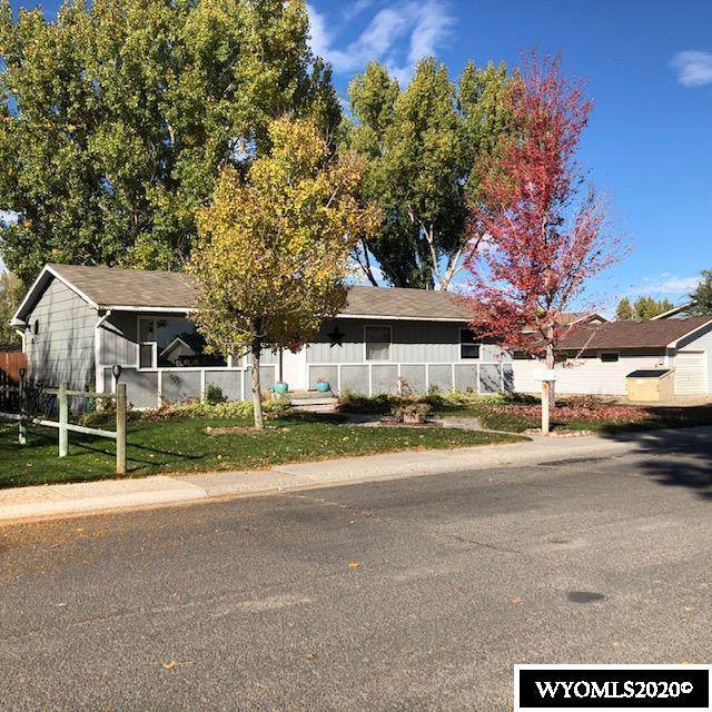 1807 Crest Way, Worland, WY 82401 (MLS #20205940) :: RE/MAX The Group