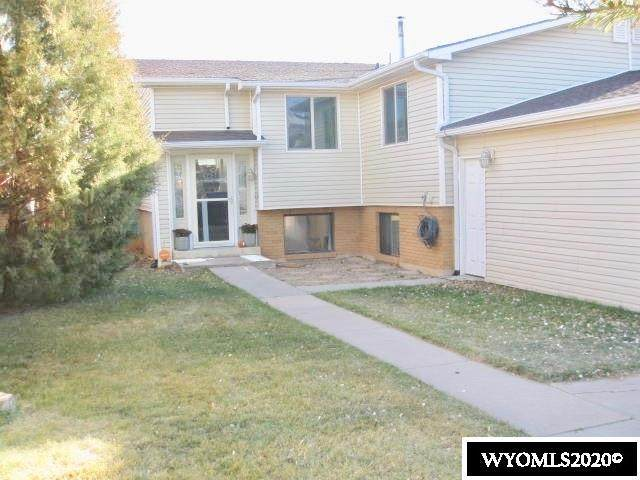 114 Sandstone Dr, Evanston, WY 82930 (MLS #20206030) :: RE/MAX The Group