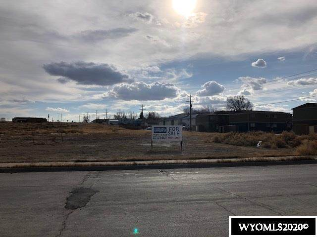 Tract 1 Cottonwood Village, Rawlins, WY 82301 (MLS #20206206) :: RE/MAX Horizon Realty