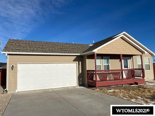 623 Olive Circle, Rawlins, WY 82301 (MLS #20210032) :: RE/MAX The Group