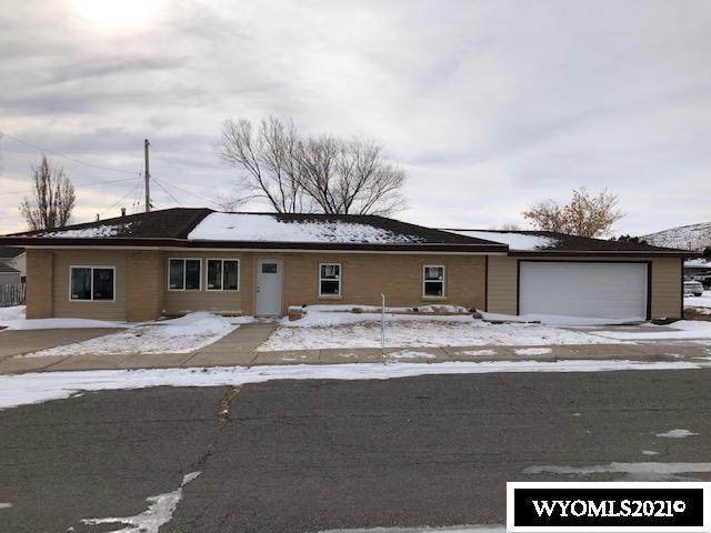 220 W Larsen, Rawlins, WY 82301 (MLS #20210136) :: RE/MAX The Group