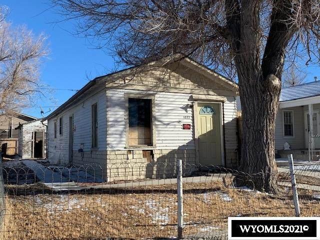 1033 N Durbin Street, Casper, WY 82601 (MLS #20210308) :: Real Estate Leaders