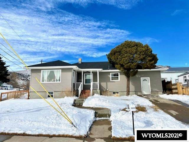 1211 Veterans Avenue, Rawlins, WY 82301 (MLS #20210894) :: RE/MAX Horizon Realty