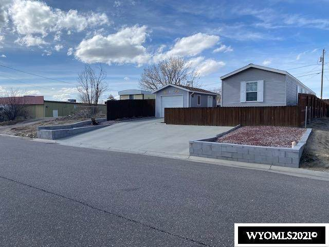 4610 Mountain View Drive, Mills, WY 82644 (MLS #20211157) :: Lisa Burridge & Associates Real Estate