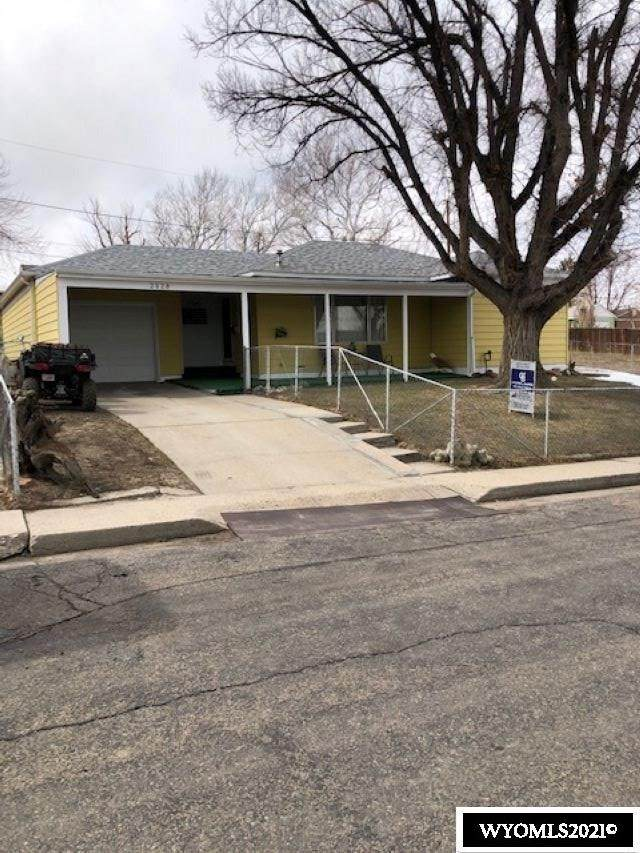 2128 S Jefferson Street, Casper, WY 82601 (MLS #20211499) :: Real Estate Leaders