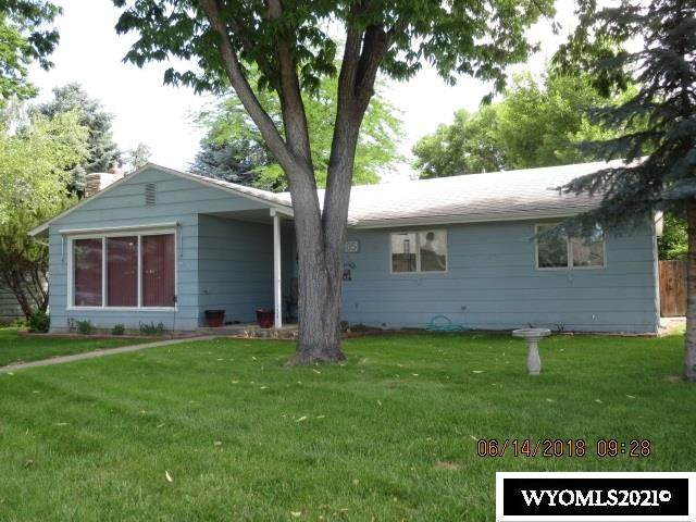 1305 Crest Way, Worland, WY 82401 (MLS #20211527) :: Real Estate Leaders