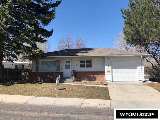 1620 Brentwood Drive, Casper, WY 82604 (MLS #20211592) :: Real Estate Leaders