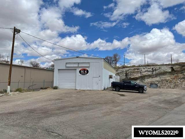 980 Elk St., Rock Springs, WY 82901 (MLS #20212408) :: Real Estate Leaders