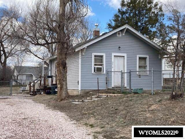 2818 East E Street, Torrington, WY 82240 (MLS #20212569) :: RE/MAX Horizon Realty