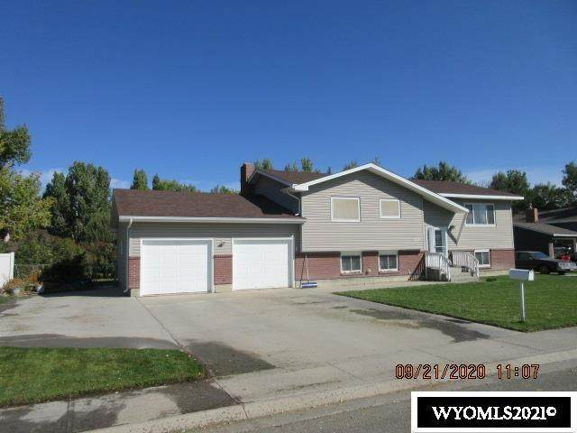 1617 Circle Road, Worland, WY 82401 (MLS #20213249) :: RE/MAX The Group