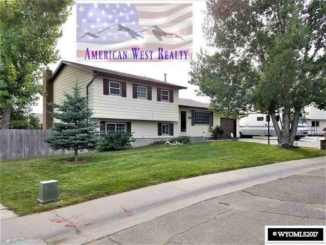 919 Riverbend Ct., Douglas, WY 82633 (MLS #20175976) :: Lisa Burridge & Associates Real Estate
