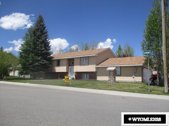 2717 Cherrywood Lane, Rock Springs, WY 82901 (MLS #20180404) :: Lisa Burridge & Associates Real Estate