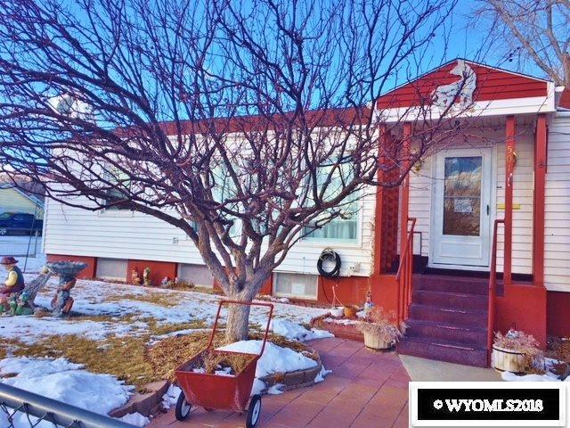 501 E Walnut Street, Rawlins, WY 82301 (MLS #20180528) :: Lisa Burridge & Associates Real Estate