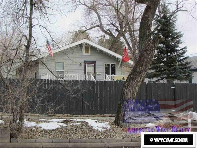 319 S 6 Street, Douglas, WY 82633 (MLS #20180602) :: RE/MAX The Group
