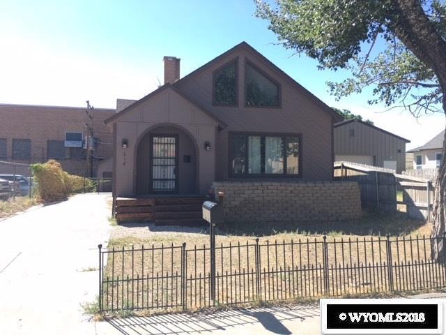 218 W Pine Street, Rawlins, WY 82301 (MLS #20184532) :: Real Estate Leaders