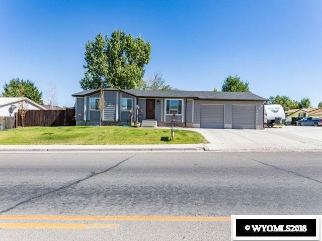 1360 E Teton Boulevard, Green River, WY 82935 (MLS #20185600) :: Real Estate Leaders