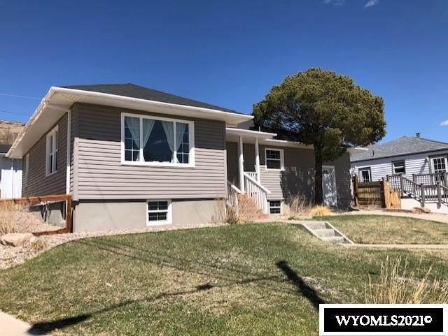 1211 Veterans Avenue, Rawlins, WY 82301 (MLS #20210894) :: Lisa Burridge & Associates Real Estate