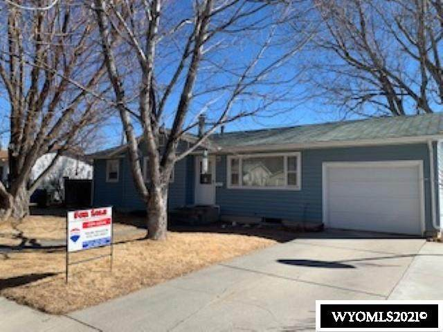 1103 Westwood Drive, Riverton, WY 82501 (MLS #20210992) :: RE/MAX Horizon Realty