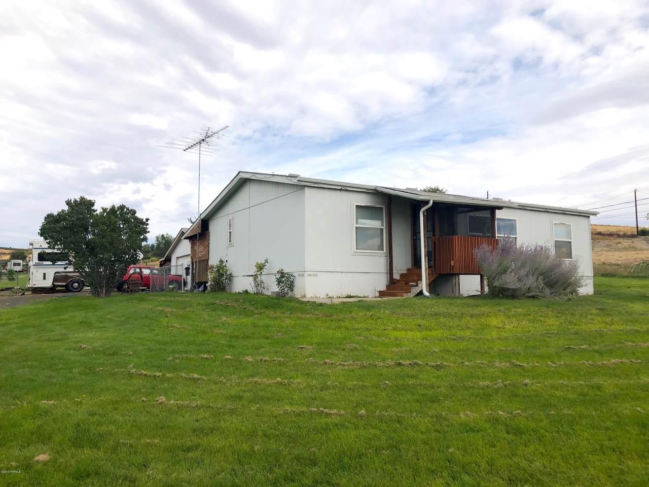 3481 Selah Loop Rd - Photo 1