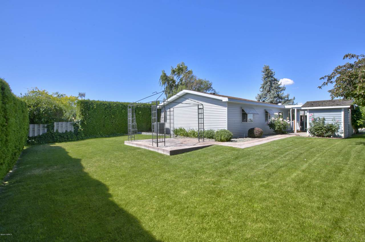 344 76th Ave - Photo 1