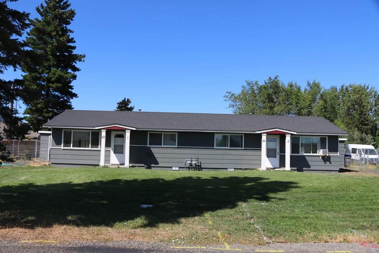 211 Idaho Ave - Photo 1