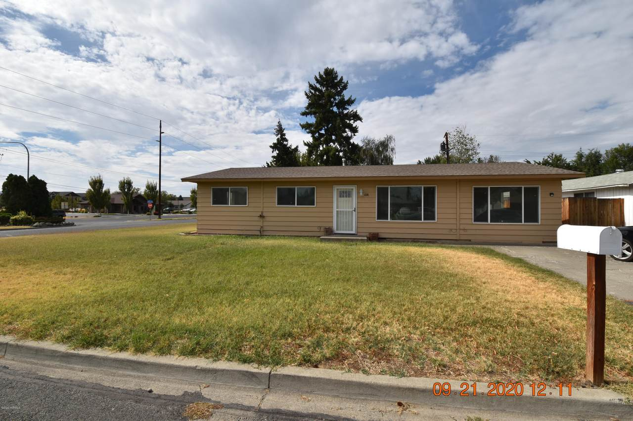 1018 49th Ave - Photo 1