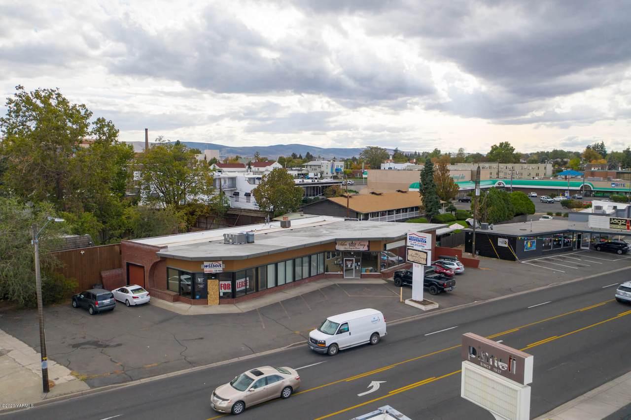 806 Summitview Ave - Photo 1