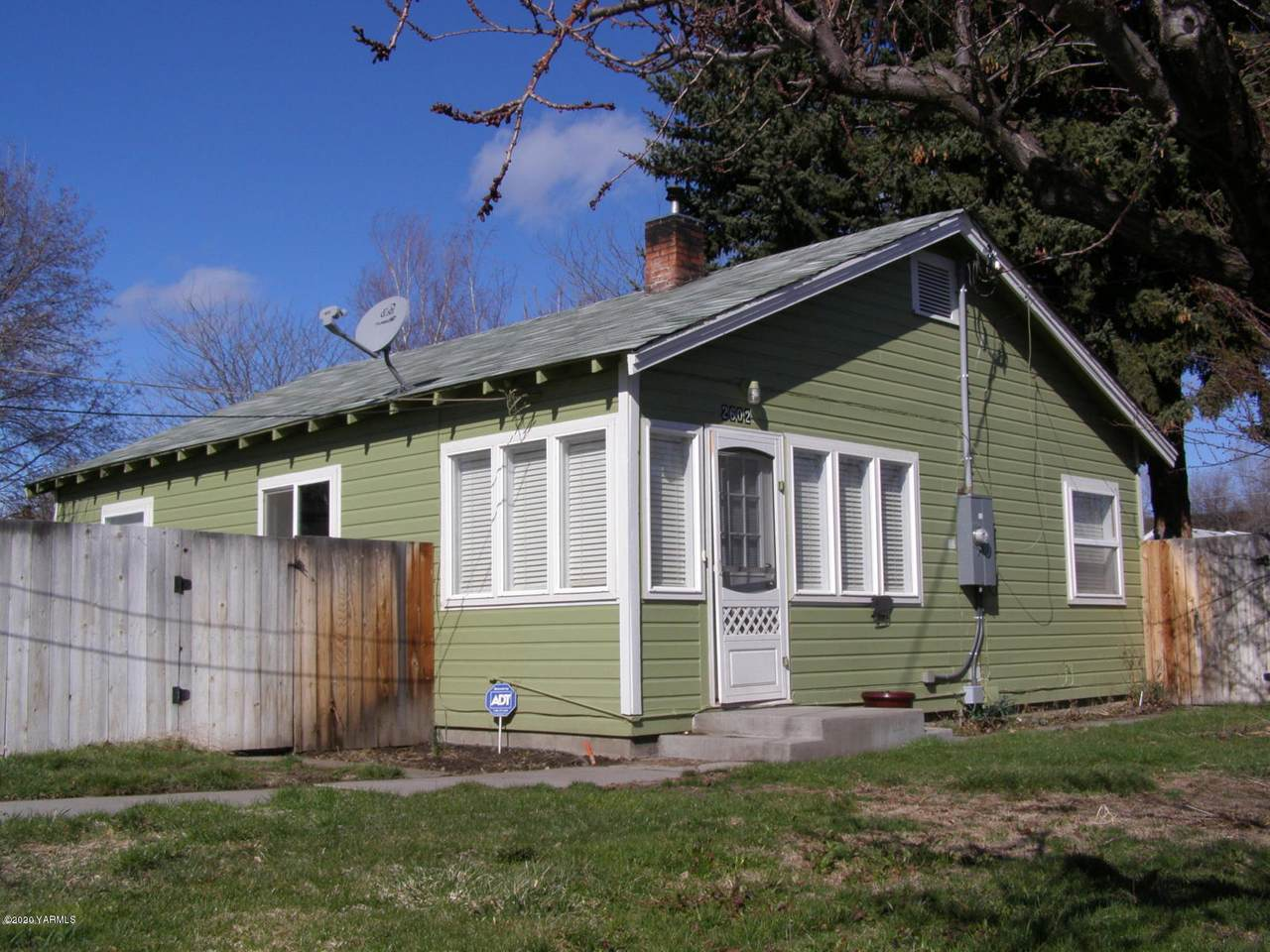 2602 90th Ave - Photo 1