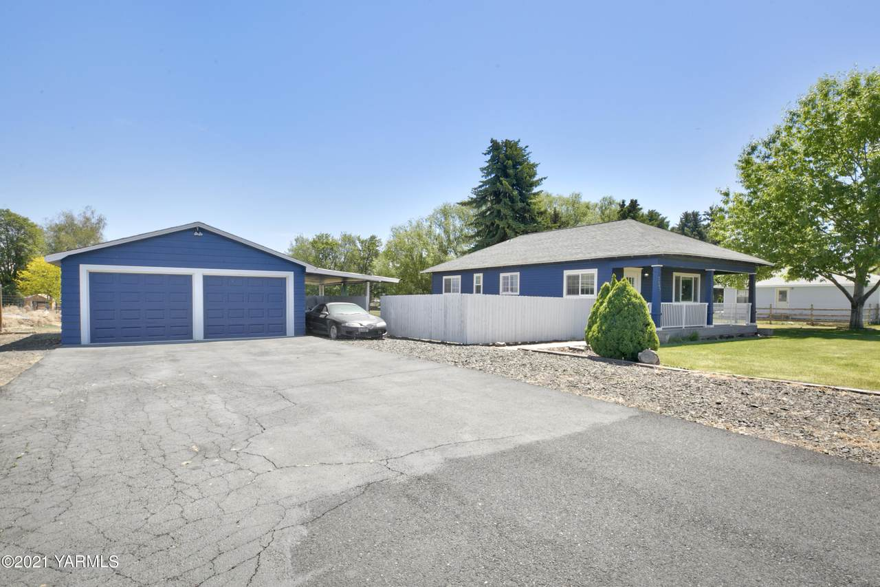 2507 74th Ave - Photo 1