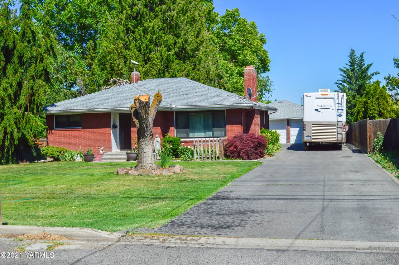 1217 20th Ave - Photo 1