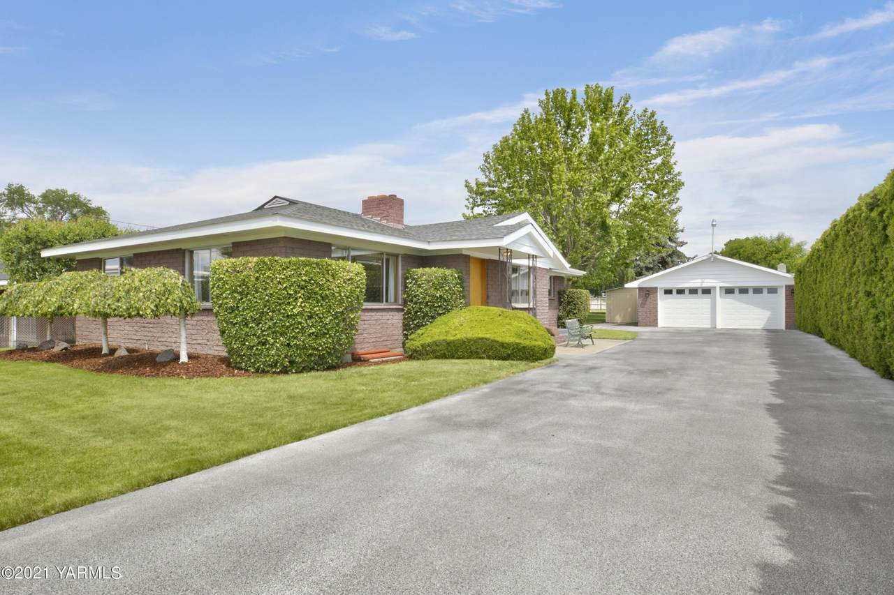 7211 Midvale Rd - Photo 1
