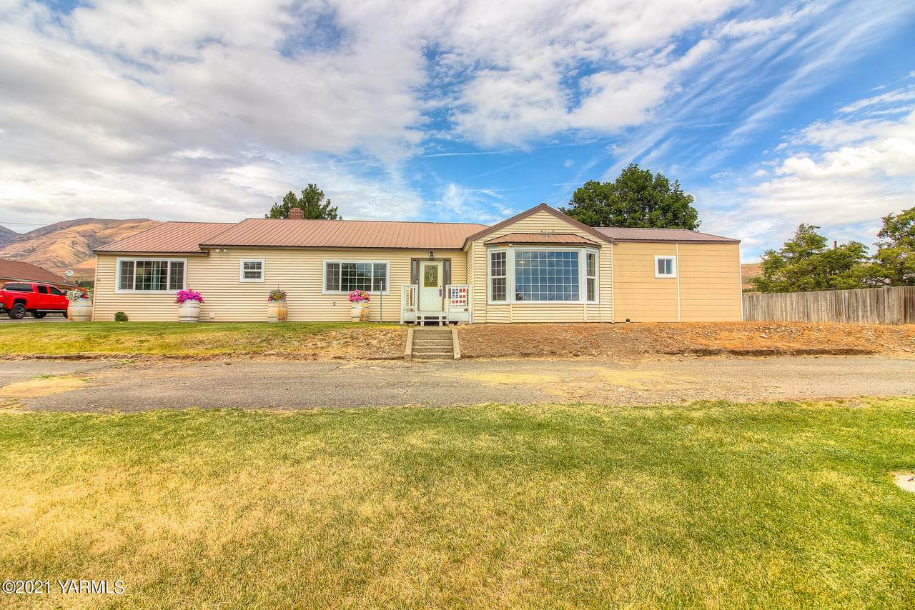 10571 Old Naches Hwy - Photo 1
