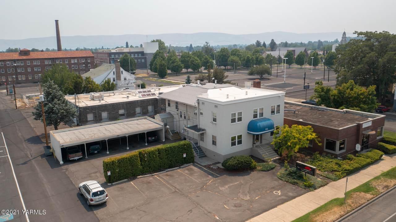 912 Yakima Ave - Photo 1