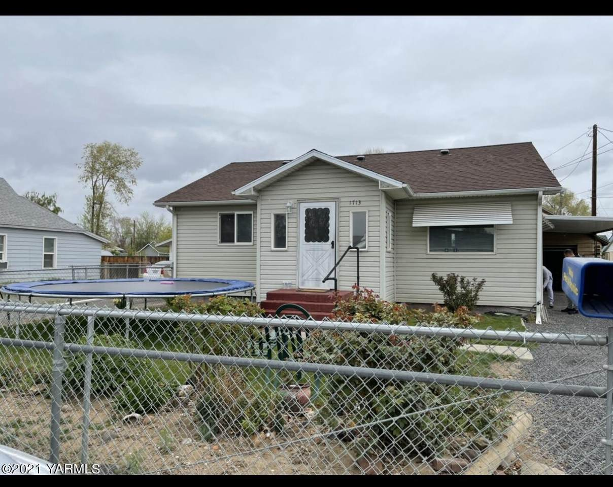 1713 8th Ave - Photo 1