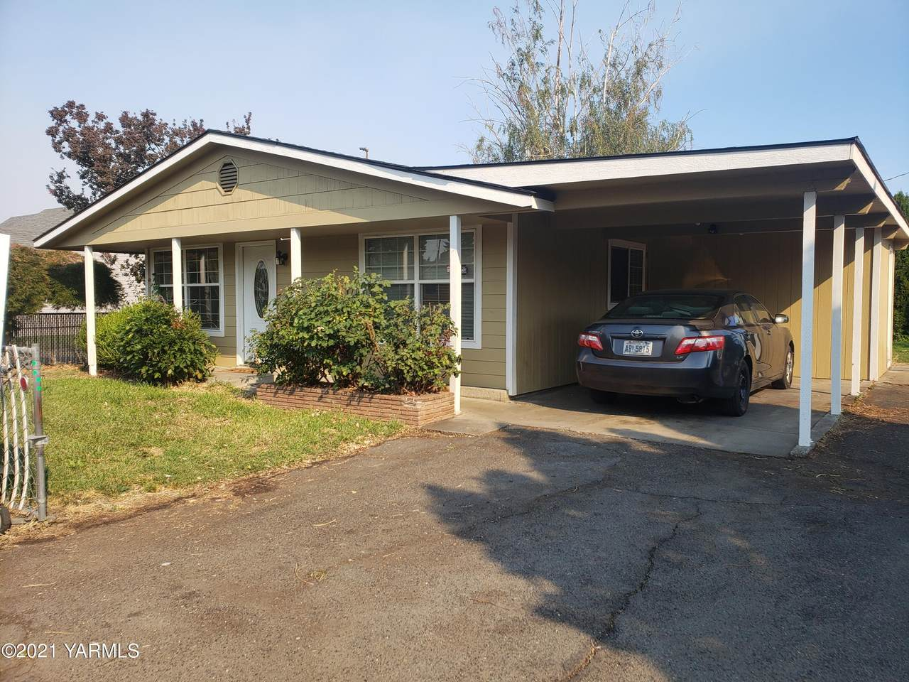 2603 Lincoln Ave - Photo 1