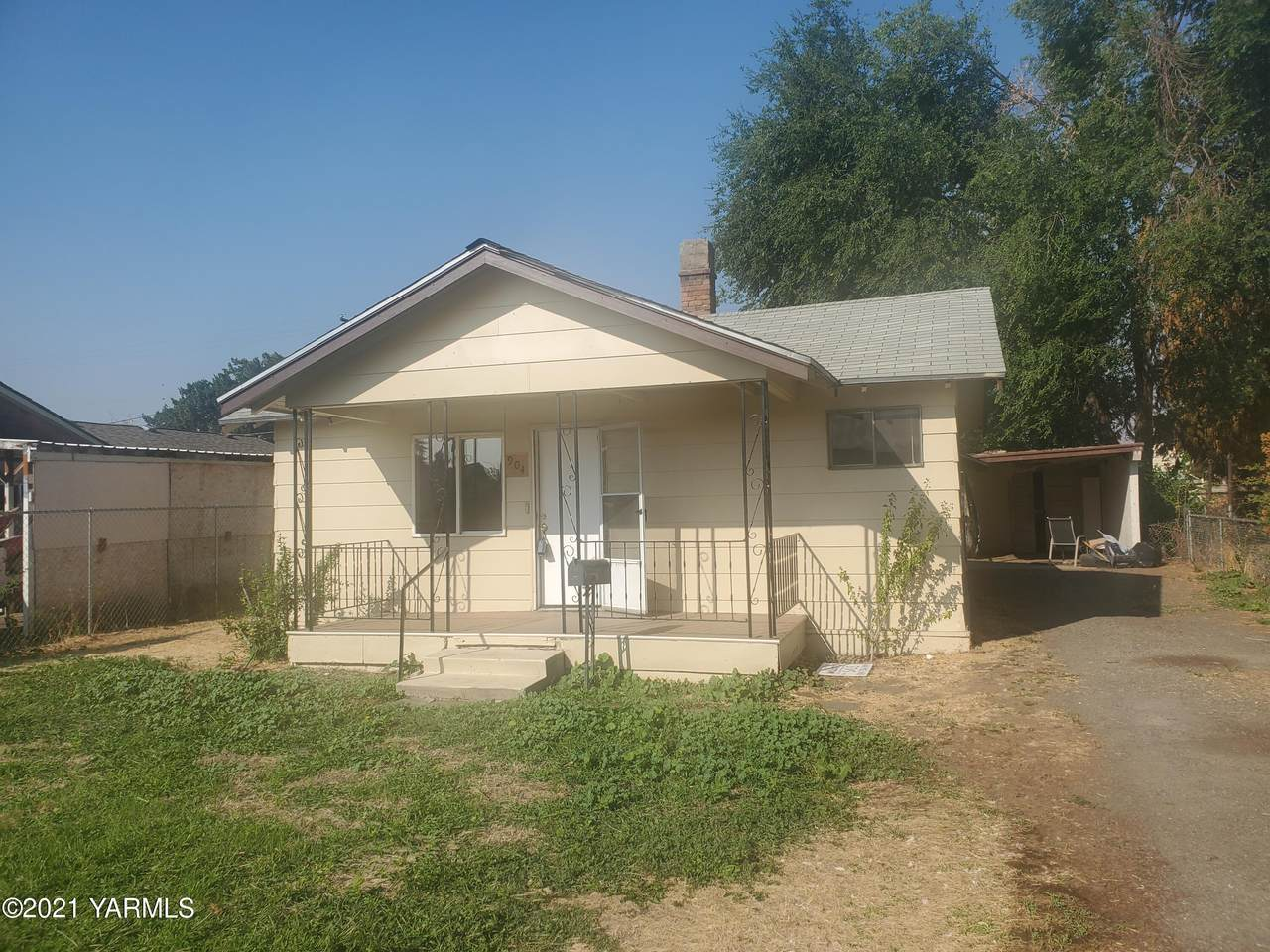 904 5th Ave - Photo 1