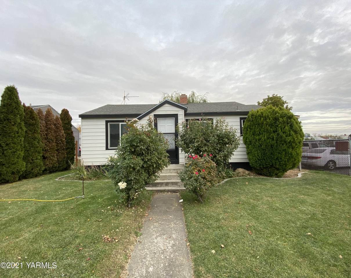 1013 3rd Ave - Photo 1