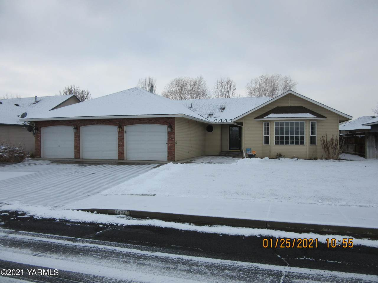 1436 67th Ave - Photo 1