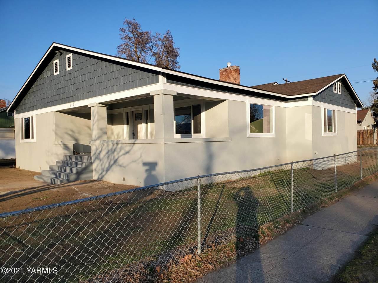 623 Pleasant Ave - Photo 1