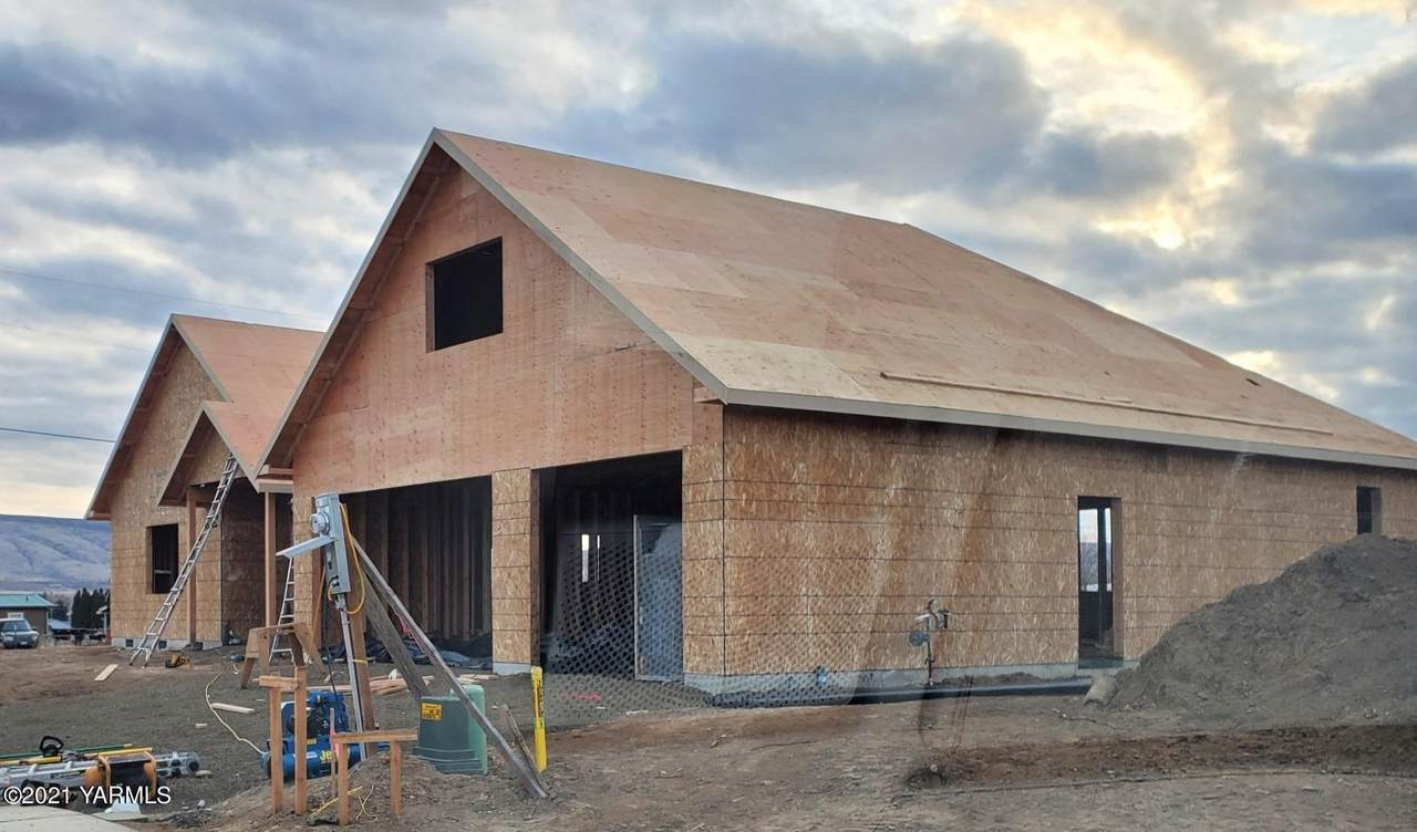 2110 72nd Ave - Photo 1