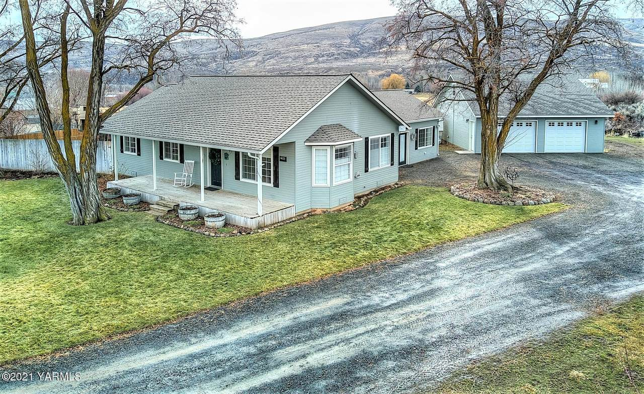 22860 Ahtanum Rd - Photo 1