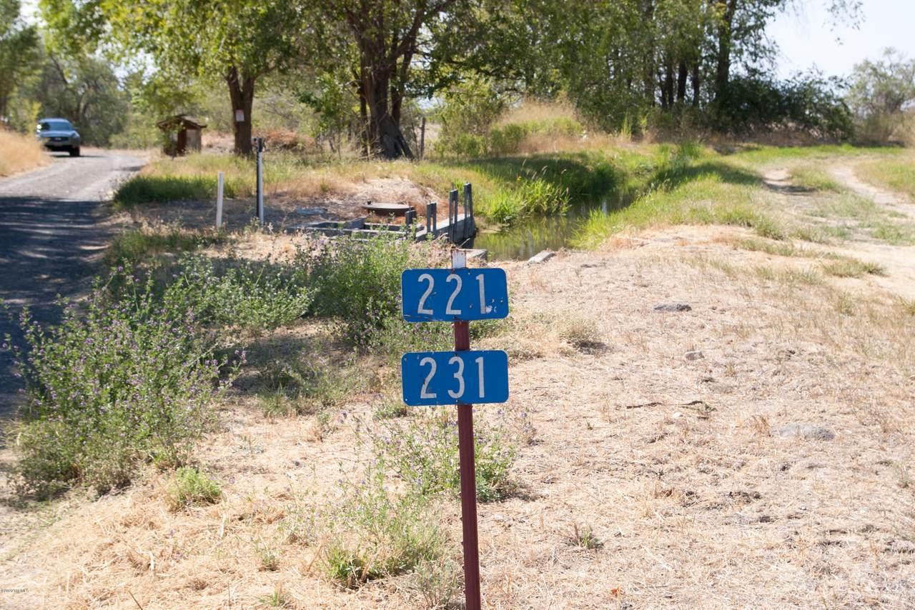 231 Windy Ridge Ln - Photo 1