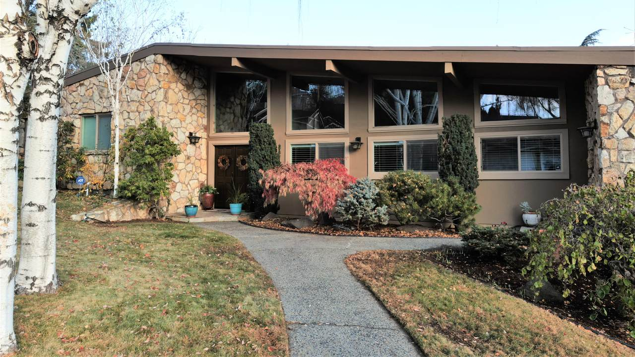 901 Carriage Hill Dr - Photo 1