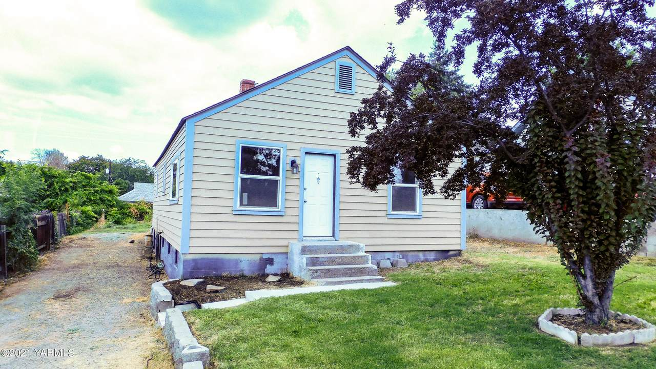 1116 20th Ave - Photo 1