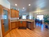 7203 Crown Crest Ave - Photo 13